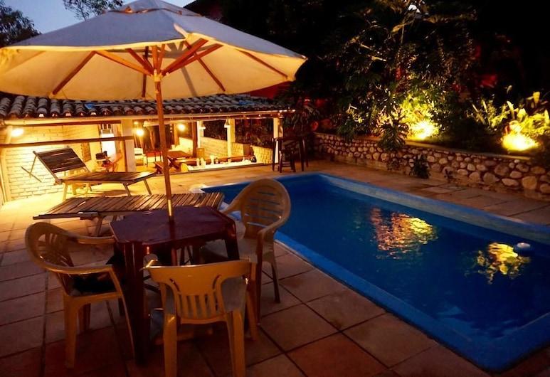 Novos Baianos Hostel e Suites, Porto Seguro, Vonkajší bazén