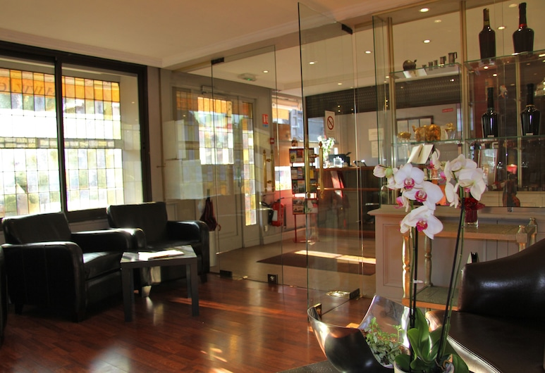 Auberge du Cochon d'Or, Beuzeville, Lounge della hall
