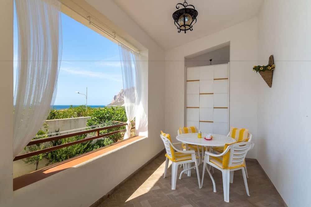 Apartment, 2 Bedrooms, Garden View, Ground Floor - Balkoni
