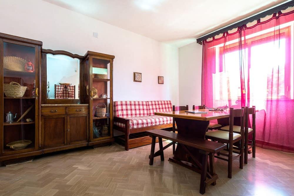 Apartment, 2 Bedrooms, Garden View, Ground Floor - Bilik Rehat