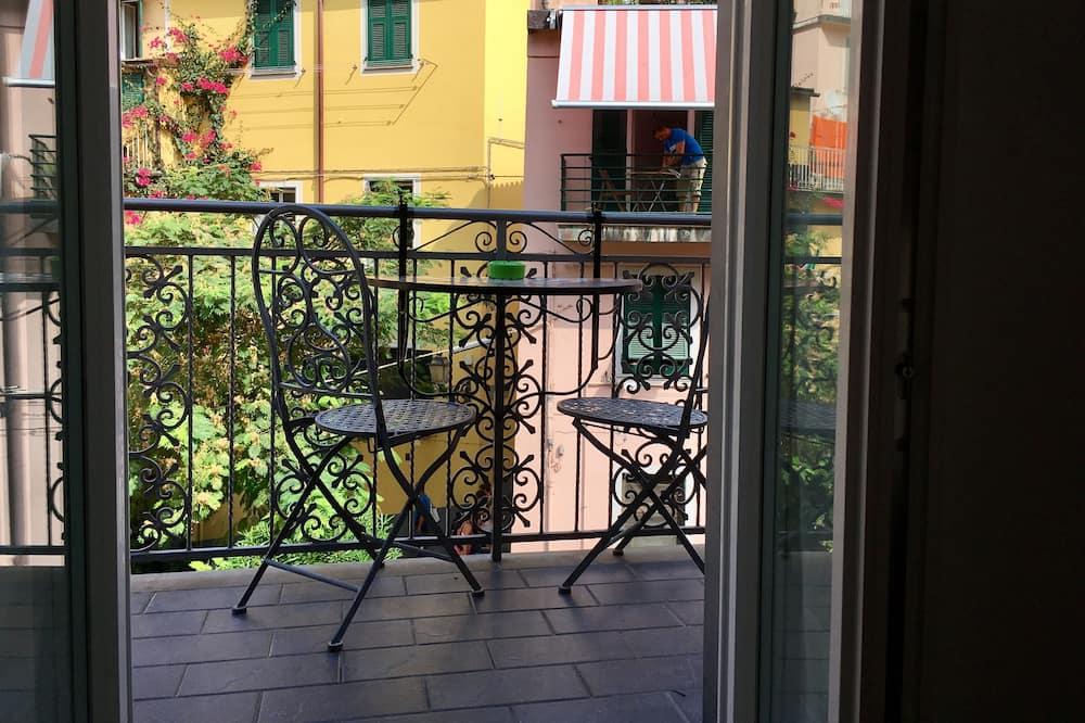 Classic Double Room, Balcony, City View (Room 2) - Balcony
