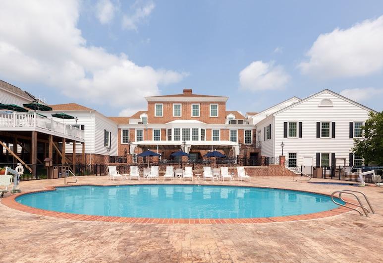 Virginia Crossings Hotel, Tapestry Collection by Hilton, Glen Allen, Açık Yüzme Havuzu