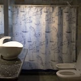 4 人部屋 1 ベッドルーム 専用バスルーム (External) - バスルーム
