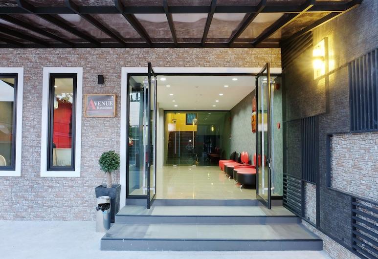 أفنيو ريزيدنس,  ناخون سي تامارات, مدخل الفندق