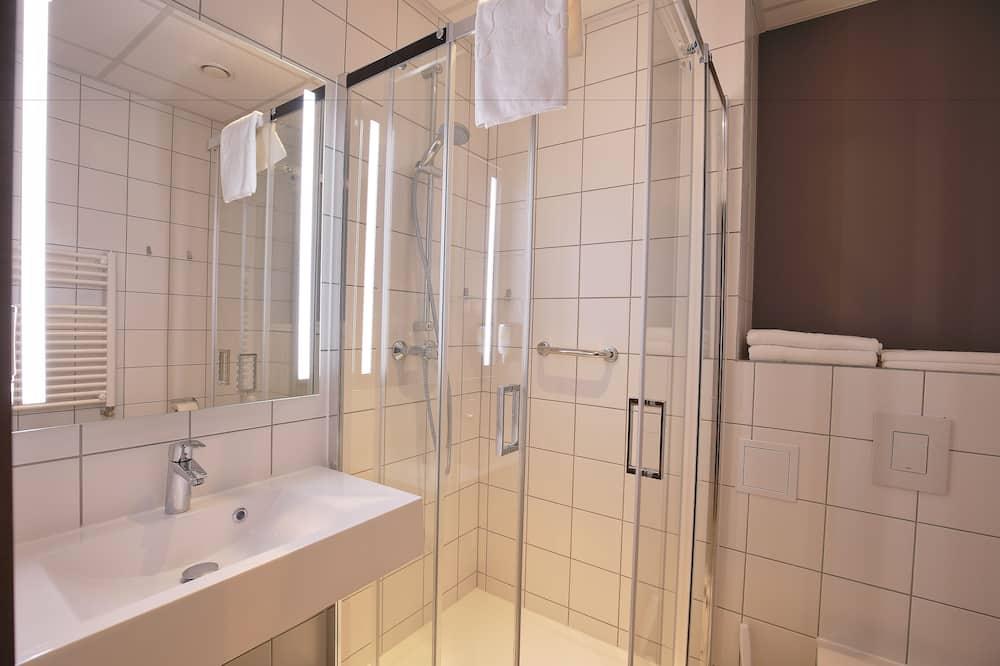 Standardní pokoj se dvěma jednolůžky, 2 jednolůžka - Koupelna
