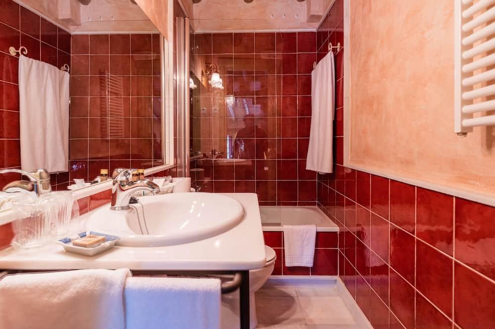 Suite, bagno in camera, vista montagna (Suite con terraza) - Bagno