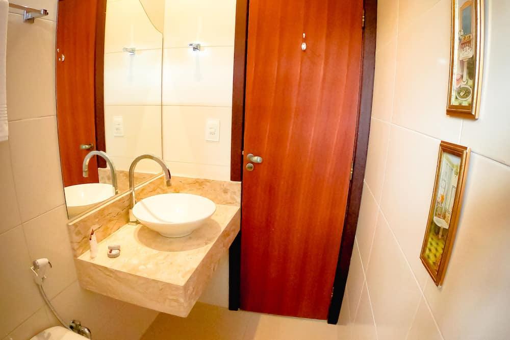 Standartinio tipo kambarys, 1 standartinė dvigulė lova - Vonios kambarys