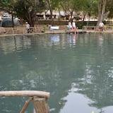 สระว่ายน้ำในร่ม/กลางแจ้ง