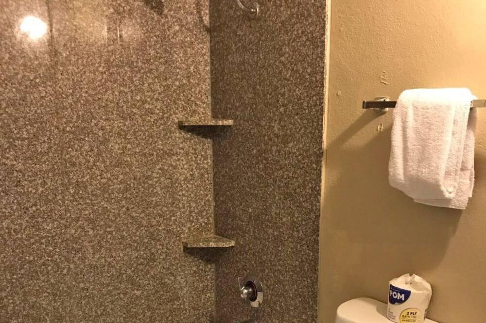 חדר ביזנס, מיטת קינג, ללא עישון - חדר רחצה