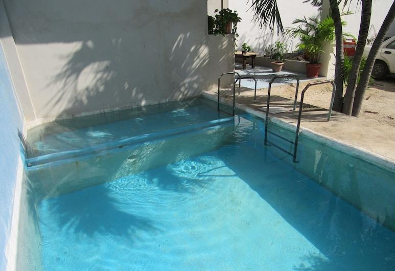 Blue Coconut Cancun, Cancún, Piscina al aire libre