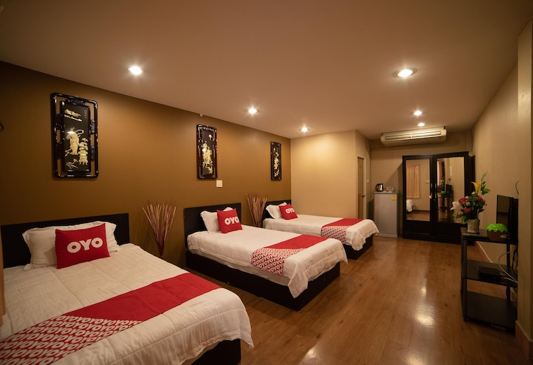 OYO 432 ロングズー ゲストハウス, バンコク, デラックス トリプルルーム, 部屋