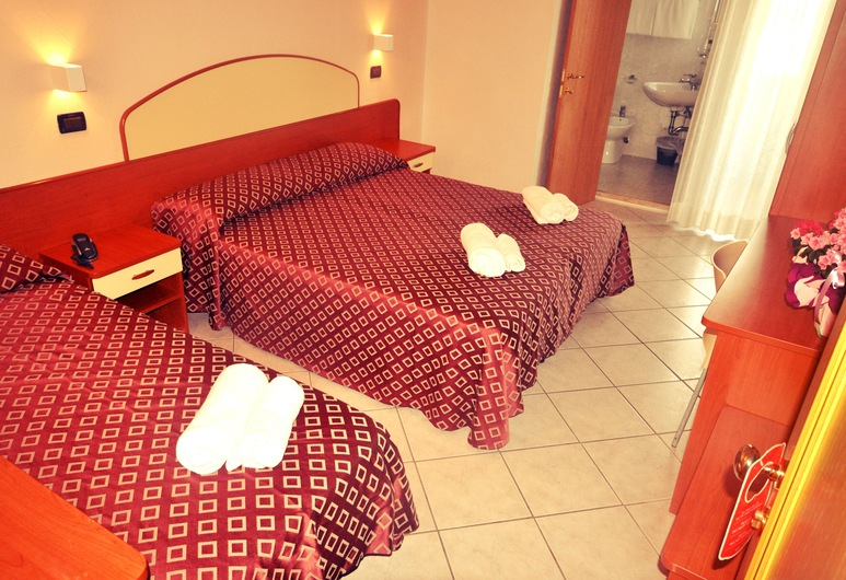 Grand Hotel Azzurra Club, Ravenna, Standard Triple Room, Balcony, Partial Sea View, Guest Room