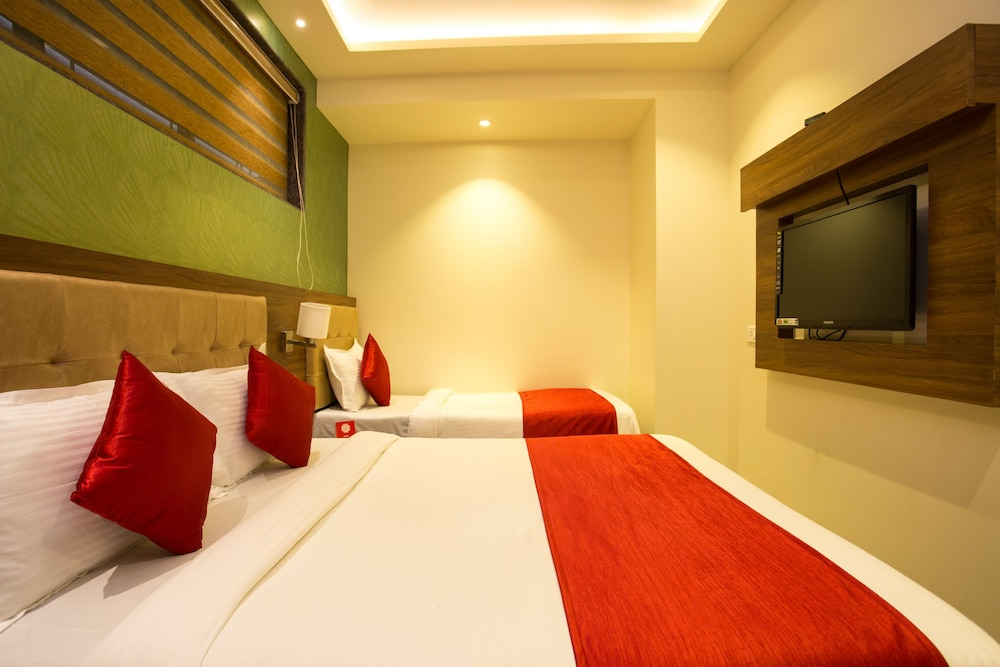 Rooms in thane
