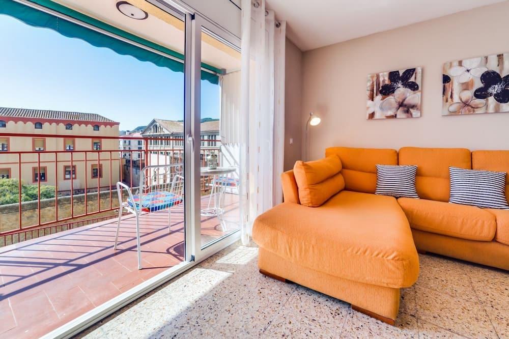 Dzīvokļnumurs, trīs guļamistabas, balkons - Dzīvojamā istaba