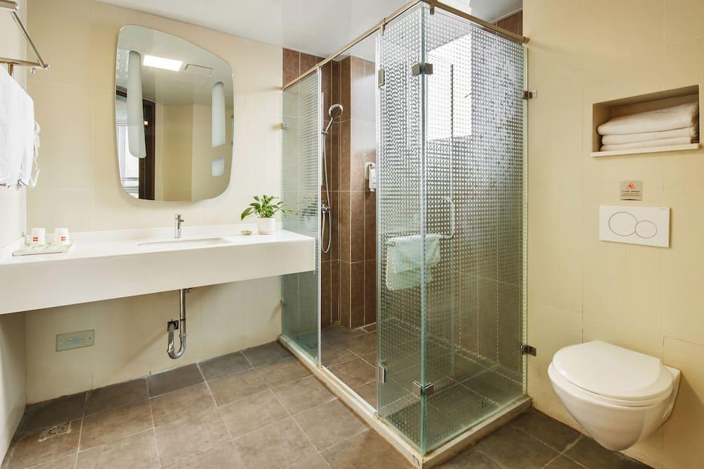 Divvietīgs numurs ar papildu ērtībām - Vannasistabas duša