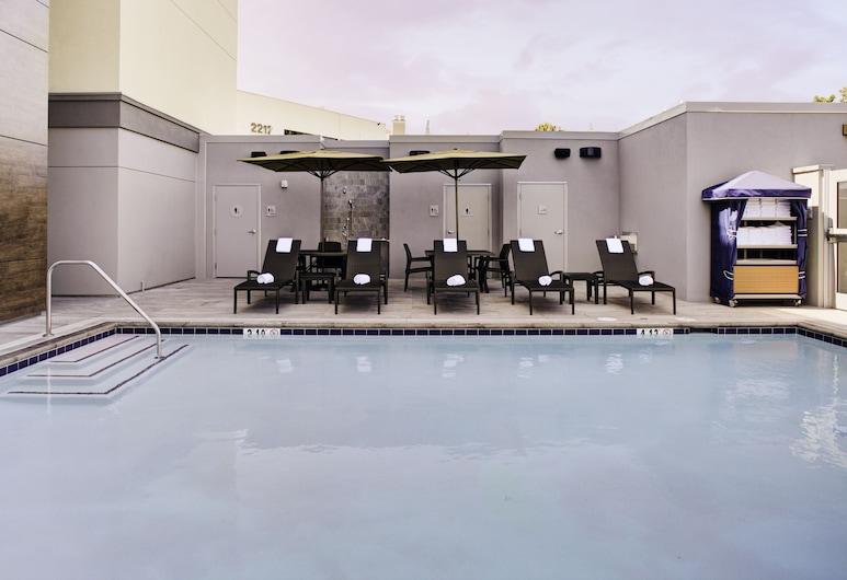 Hampton Inn & Suites by Hilton-Irvine/Orange County Airport, Irvine, Kolam