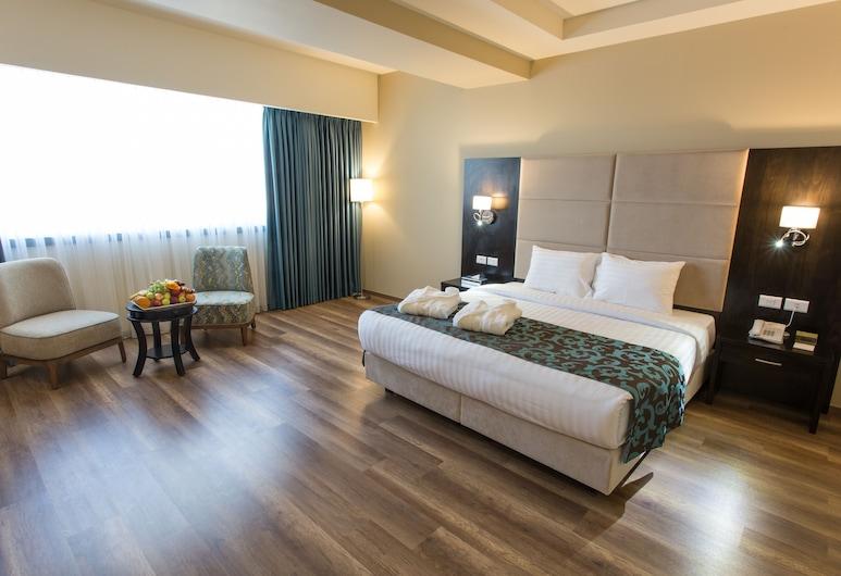 Carmel Hotel, Ramallah, Deluxe lakosztály, 1 king (extra méretű) franciaágy, kilátással a városra, Vendégszoba