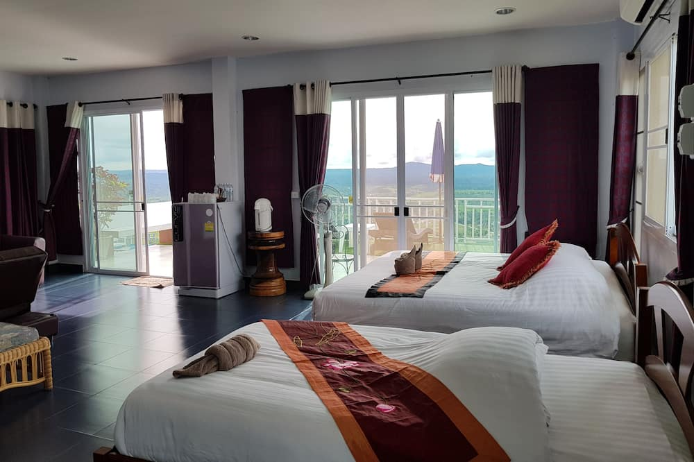 Deluxe Double Room, Non Smoking, Mountain View - Guest Room