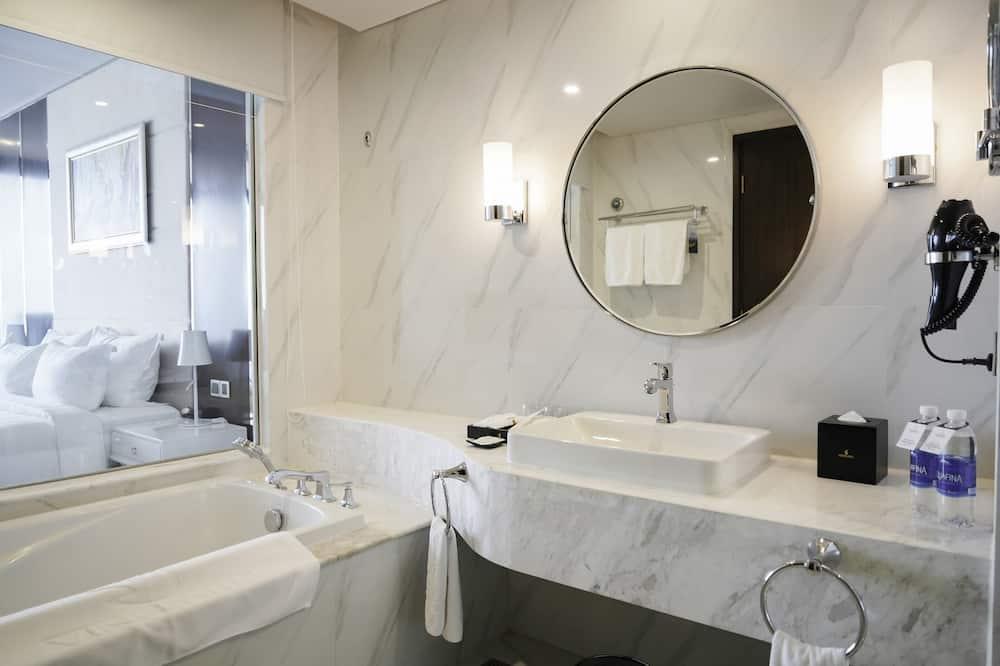 Phòng đôi Business - Phòng tắm