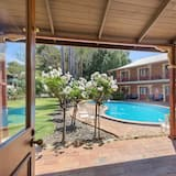 Chambre Supérieure Double ou avec lits jumeaux, vue piscine - Piscine en plein air