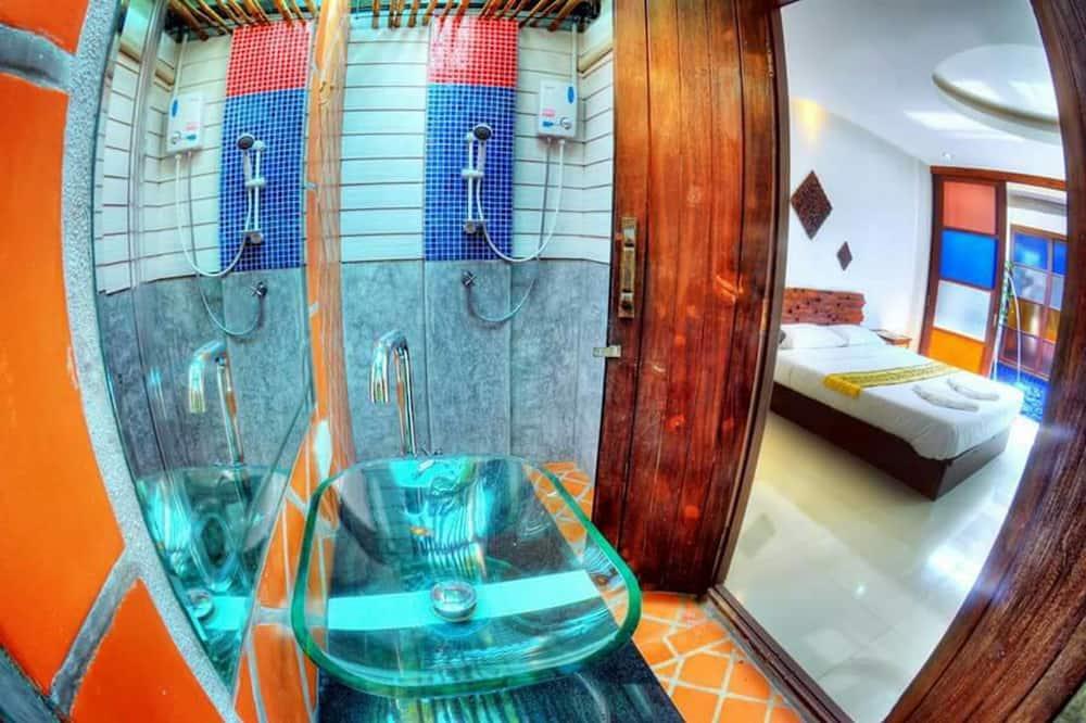 غرفة مزدوجة عادية - مع إمكانية استخدام المسبح - حمّام