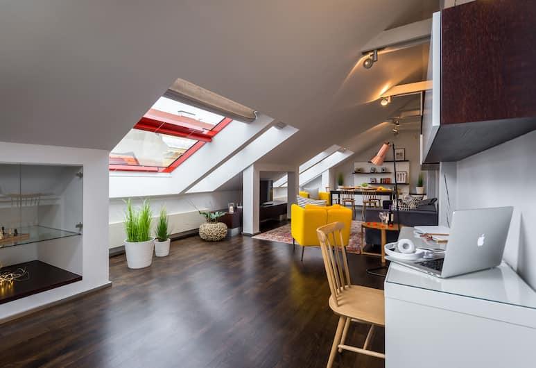 EMPIRENT New Town Apartments, Prag, Apart Daire, 2 Yatak Odası (Skolska 8), Oturma Alanı