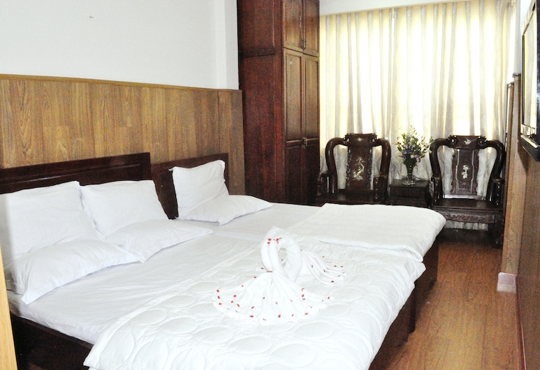 Around the World Hotel, Ho Chi Minh City, Triple Room, Guest Room