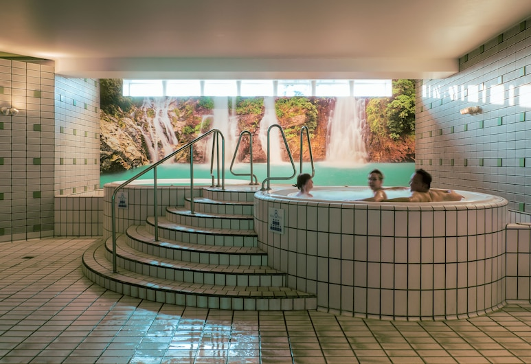 Vayamundo Oostende, Ostend, Indoor Spa Tub