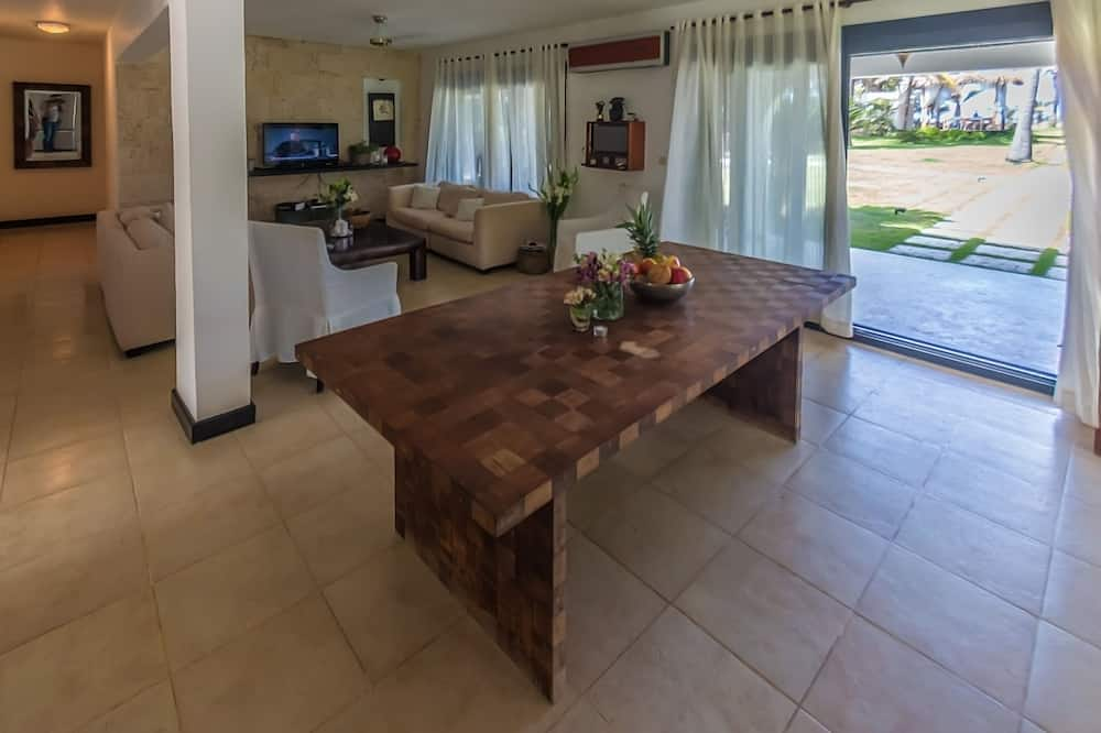 14 Bedroom Villa - Quarto