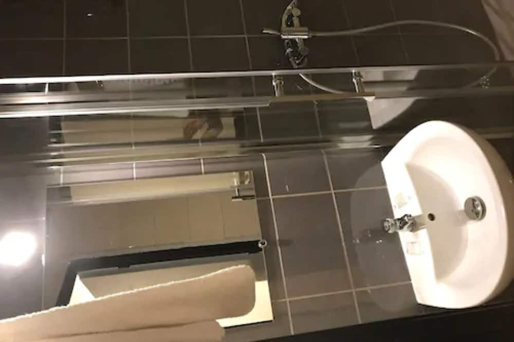 Basic-dobbeltværelse - Badeværelse