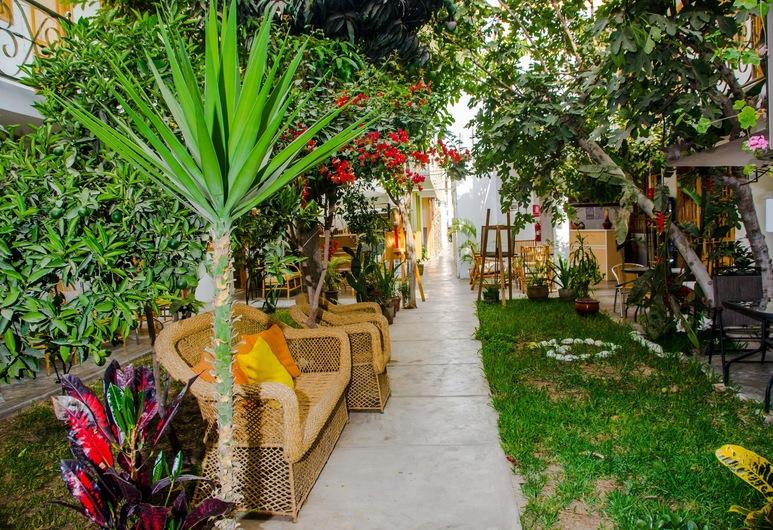 El Huerto Hostel, Ica, Family Twin Room, Terrace/Patio