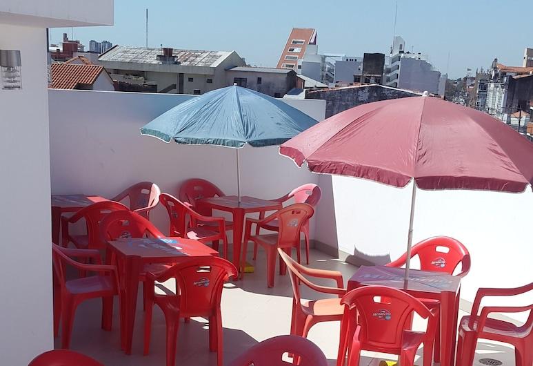Backpackers Bar&Suites, Santa Cruz, Restaurante al aire libre