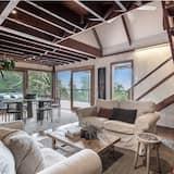 Eastern Rise Main House - Living Room