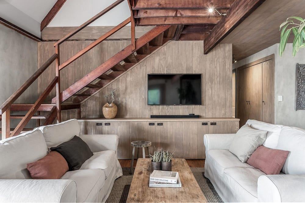 Eastern Rise Main House - Living Area