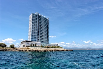 Picture of Arterra Hotel and Resort in Lapu Lapu