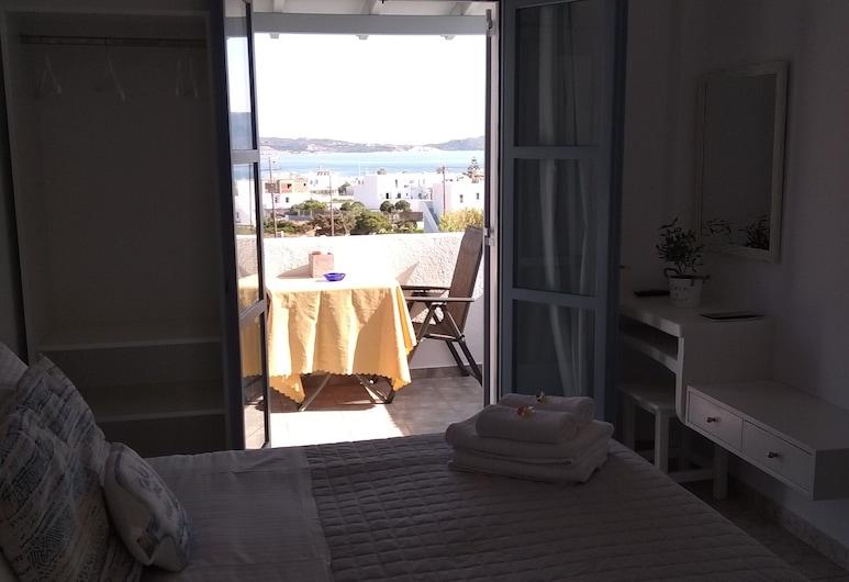 Antonis Rooms, Milos, Deluxe Double Room, Guest Room