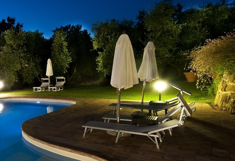 西基奧佛得農莊酒店, Pitigliano, 室外泳池