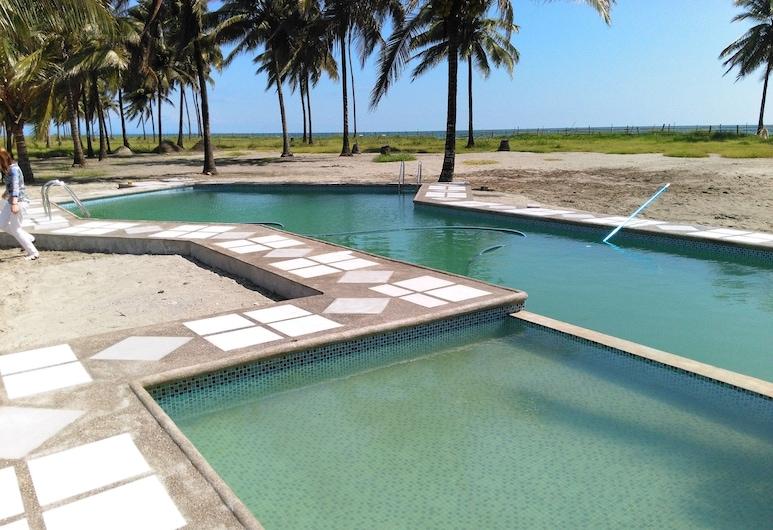 索拉雷斯 25 号酒店, 科希梅斯, 室外游泳池