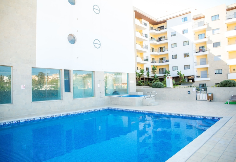 B05 - Luxury Central 2 bed with Spa by DreamAlgarve, Lagos