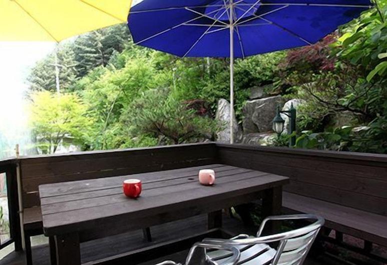 Yangpyeong Gawon Villa Pension, Yangpyeong, Terrace/Patio