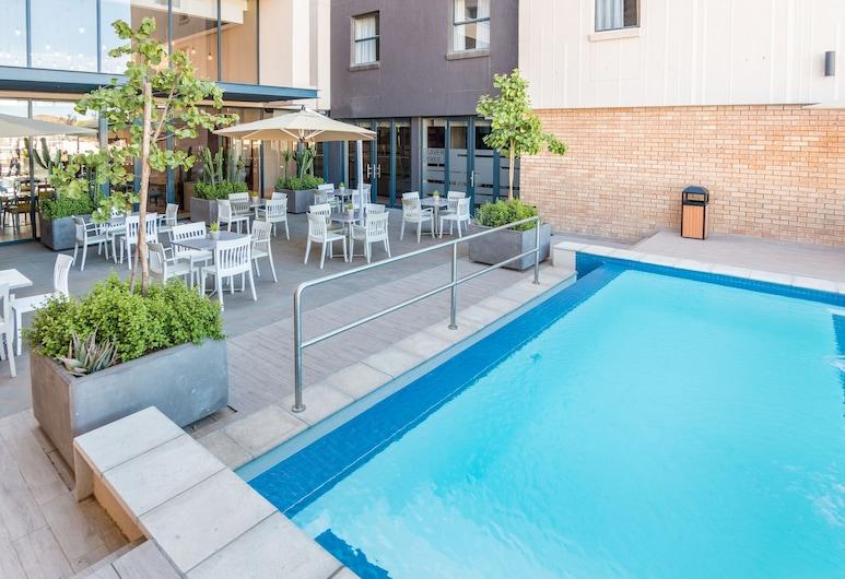 Town Lodge Windhoek, Windhoek, Venkovní bazén