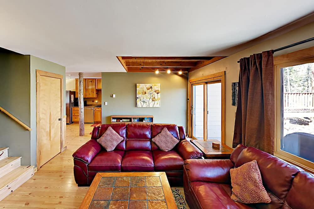 Σπίτι σε Συγκρότημα Κατοικιών, 2 Υπνοδωμάτια - Καθιστικό