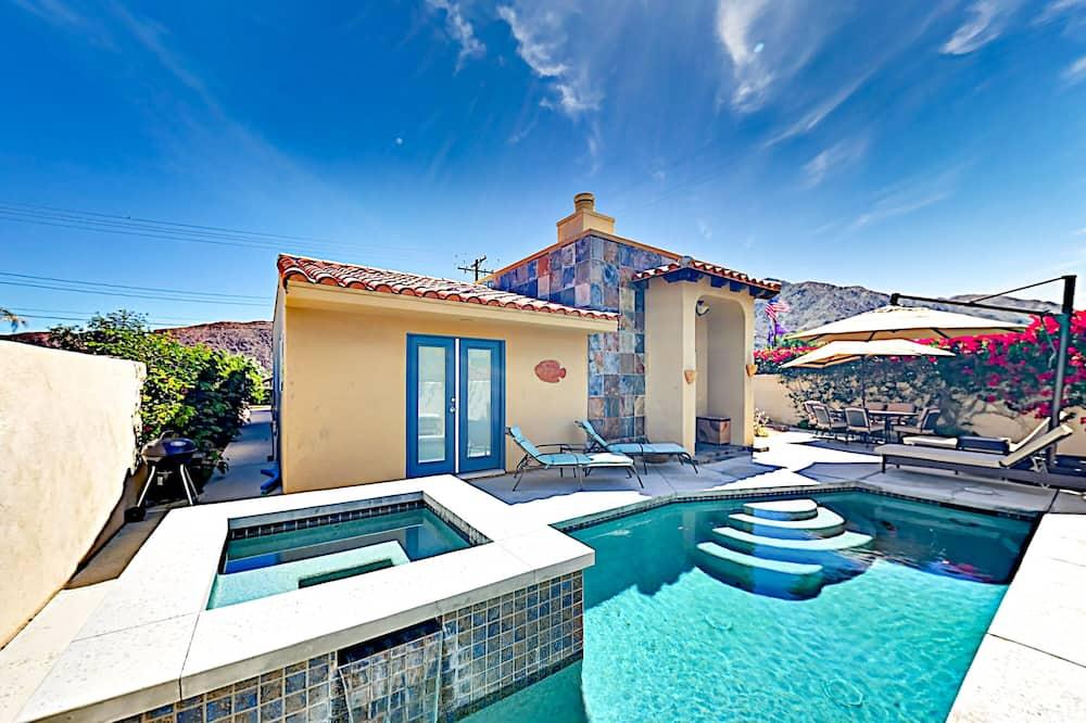 La Quinta Cove 2br/2ba Pool/ Jacuzzi And Patio 2 Bedroom Home, La Quinta