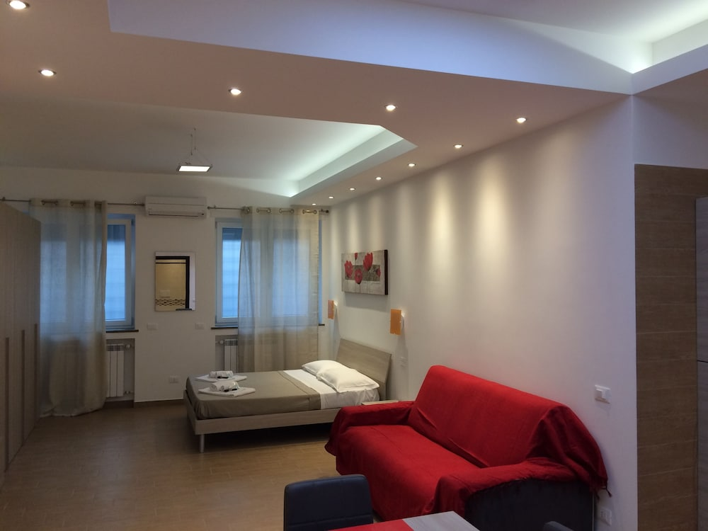 KINGS OF ROME APARTMENTS, Rome, Deluxe Studio, Guest Room