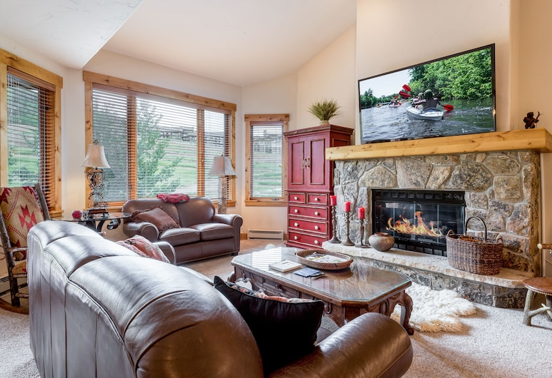 1855 Ski Time Square Townhouse Unit 122 - 4 Br townhouse by RedAwning, Steamboat Springs