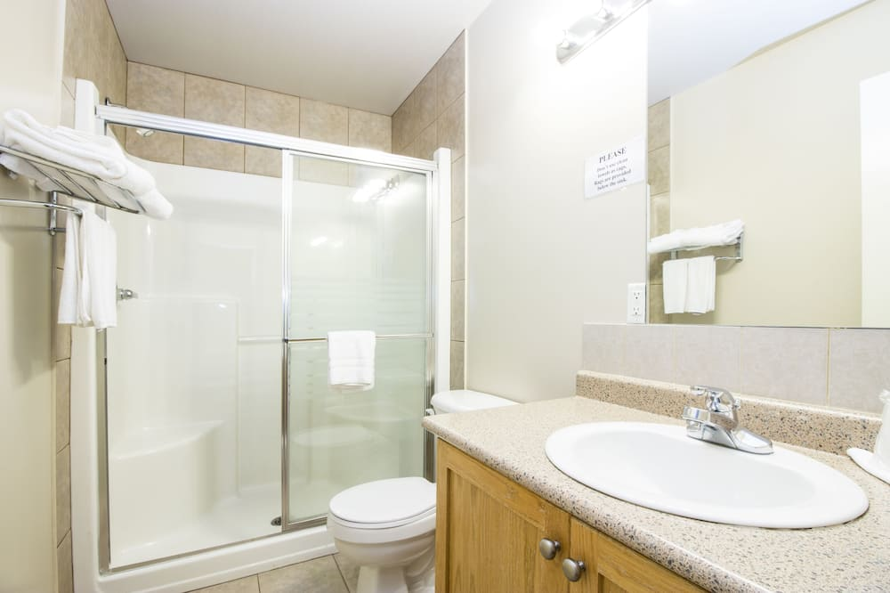 Apartmán typu Deluxe, 1 veľké dvojlôžko - Kúpeľňa
