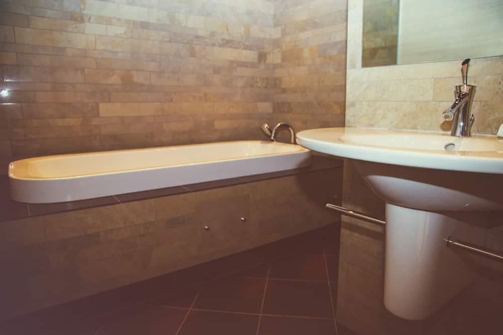 Comfort kamer, 1 twee- of 2 eenpersoonsbedden - Badkamer