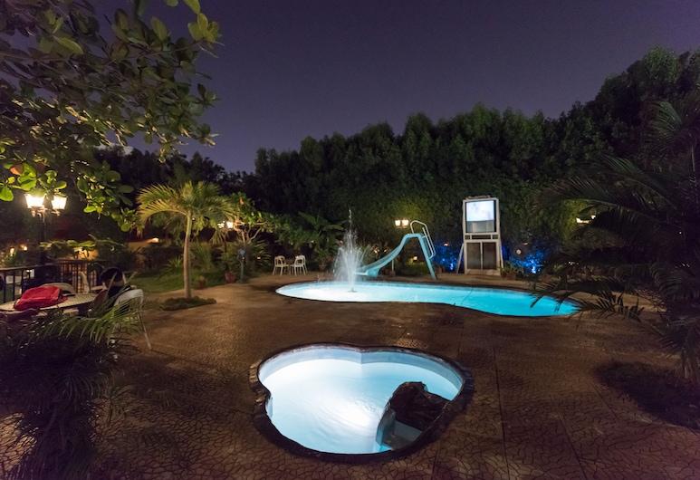 wakan luxury villas and suites, Djeddah, Piscine en plein air