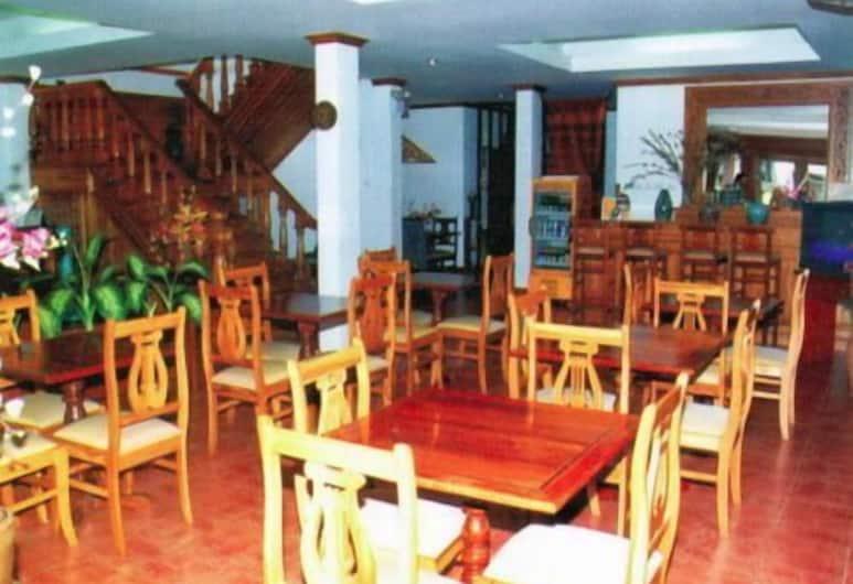 Vayakorn House, Vientiane, Restaurant