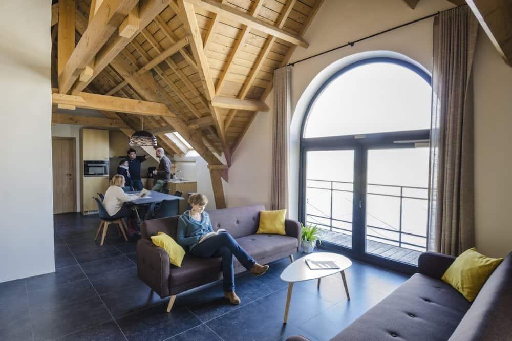 Family Apartment, 2 Bedrooms, Balcony (Stro) - Living Room